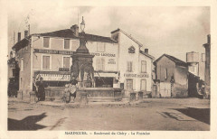 Maringues Boulevard Du Chery Fontaine - Maringues