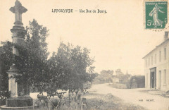 Lapouyade Une Rue Du Bourg - Lapouyade