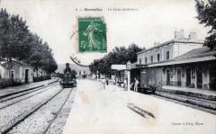 Remoulins La Gare (Train En Gare - Remoulins
