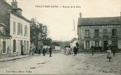 Vailly Sur Aisne Avenue De La Gare (cpa animée - Vailly-sur-Aisne