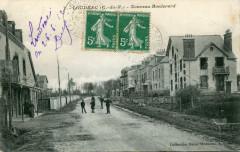 Loudeac Nouveau Boulevard (cpa animée) - Loudéac