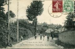 Marle Pont Et Rue De La Madeleine (cpa animée) - Marle