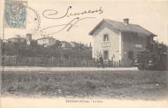 Brindas La Gare (cpa rare avec devant du train - Brindas