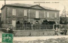 Montfaucon Gard La Mairie (Pas Courante - Montfaucon
