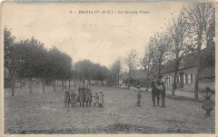 Barlin La Grande Place (animée - Barlin