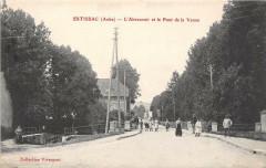 Estissac L'Abreuvoir Et Le Pont De La Vanne - Estissac
