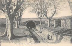 Tavernes Lavoir De Fontvieille - Tavernes