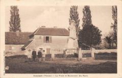 Journet La Poste Et Monument Aux Morts (cpa pas courante - Journet