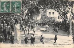 Esperaza Fete De La Saint Michel La Course Au Boeuf Sur La Place - Espéraza