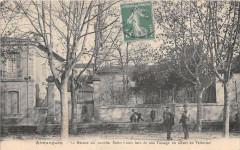 Aimargues La Maison Ou Coucha Saint Louis Lors De Son Passage En Allant E - Aimargues