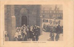 Hennebont Sortie De La Messe (dos non divisé) - Hennebont