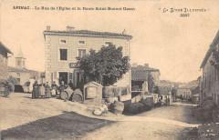 Apinac La Rue De L'Eglise Et La Route Saint Bonnet Usson - Apinac