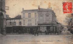 Cadillac Sur Garonne Place De La Mairie (cliché rare - Cadillac