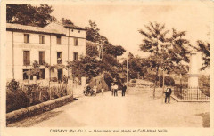 Corsavy Monument Aux Morts Et Le Cafe Hotel Vaills - Corsavy
