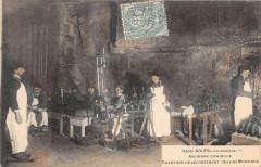 Bourg Sur Gironde Ancienne Citadelle Chantiers De Degorgement Des Vins Mo - Bourg