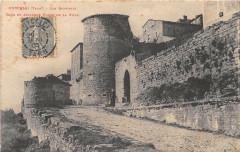 Puycelsi Les Remparts Tour Et Ancienne Porte De La Ville (cliché pas cour - Puycelsi