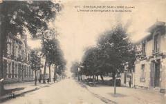 Chateauneuf Sur Loire L'Avenue De Bellegarde Et Gendarmerie - Bellegarde