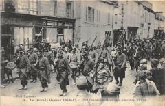 1200 Prisonniers Allemands Traversant Reims 51 Reims