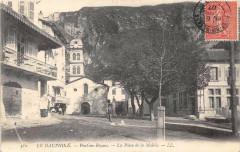 Pont En Royans La Place De La Mairie - Pont-en-Royans