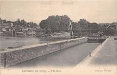 21 Environs De Lyon L'Ile Barbe 69 Lyon