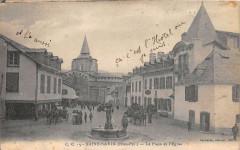 Saint Savin La Place Et L´EGLISE - Saint-Savin