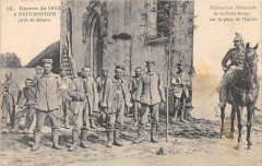 A Neufmontiers Prisonniers Allemands De La Croix Rouge Sur La Place De L' 77 Seine et Marne