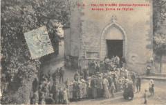 Vallee D'Aure Arreau Sortie De L'Eglise - Arreau