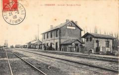 Oisemont La Gare Arrivee Du Train - Oisemont