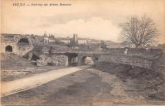 Frejus Interieur Des Arenes Romaines - Fréjus