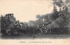 Frevent Le Deblaiement Des Ruines Du Pont - Frévent