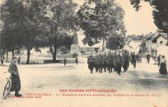Neufchateau Monument Memoire Victimes Guerre - Neufchâteau