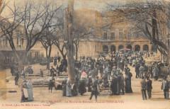 Valreas Le Marche Du Mercredi Place De L'Hotel De Ville - Valréas
