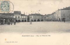 Mauvezin Place De L'Hotel De Ville - Mauvezin
