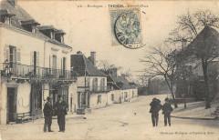 Thenon Grande Place - Thenon