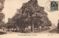 Dun Sur Auron Le Square - Dun-sur-Auron