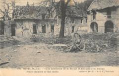 Ostel Cour Interieure De La Ferme Et Batiments En Ruines - Ostel