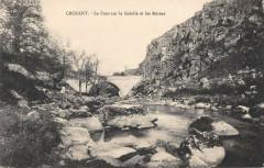 Crozant Le Pont Sur La Sedelle Et Les Ruines - Crozant
