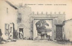 Cherac La Coinche La Cour De La Ferme - Chérac
