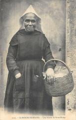 La Roche Bernard Une Aieule De Saint Dolay - La Roche-Bernard