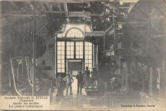 Fonderie Nationale De Ruelle Atelier Des Douilles Presses Hydrauliques - Esse