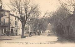 Valreas Montee Des Tivolis - Valréas