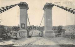 Collias Avenue Du Pont - Collias