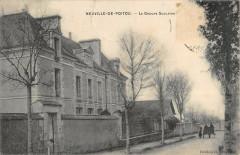 Neuville De Poitou Le Groupe Scolaire - Neuville-de-Poitou