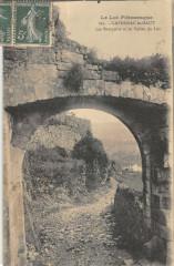 Capdenac Le Haut Les Remparts Et Vallee Du Lot - Capdenac
