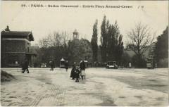 Buttes Chaumont - Entrée Place Armand Carrel - Paris 19e