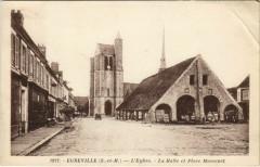 Egreville - L'Eglise - La Halle et Place Massenet - Égreville