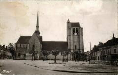 Egreville - Eglise du XIIIe Siecle  - Égreville