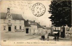 Ecouen - Place de l'Hotel-de-Ville et rue d'Ezanville - Écouen