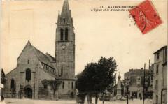 Vitry-sur-Seine - L'Eglise et le Monument au 94 Vitry-sur-Seine