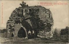 Reste d'une Tour de I'ancien château-fort (XIIe siècle) - Montlhéry
